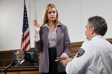 Swearing in a courtroom witness